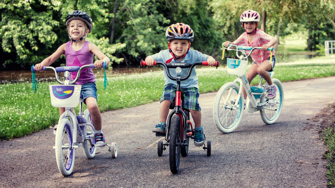 kids riding bicycles, Things to do during the day