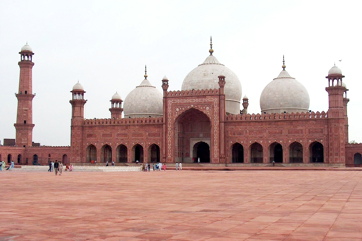 Badshahi Mosque - things to do in Lahore