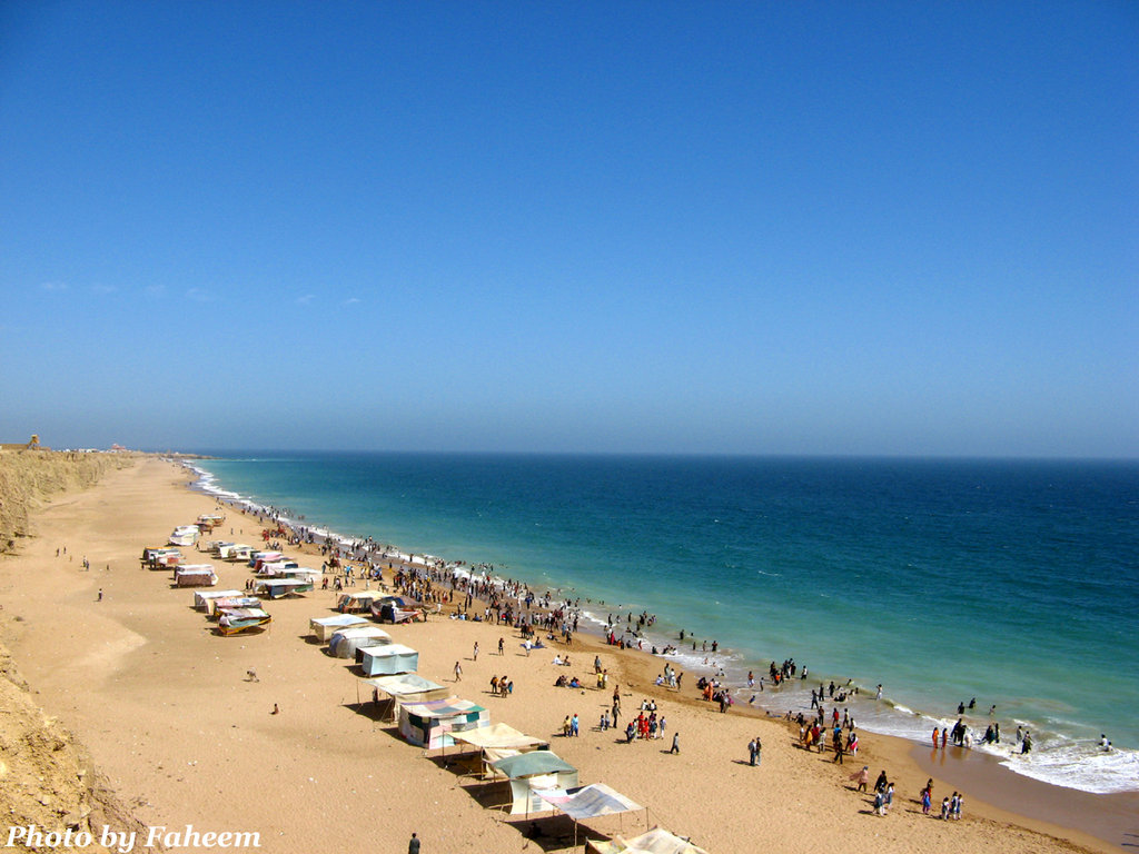 Cape Mount Beach - picnic places in Karachi