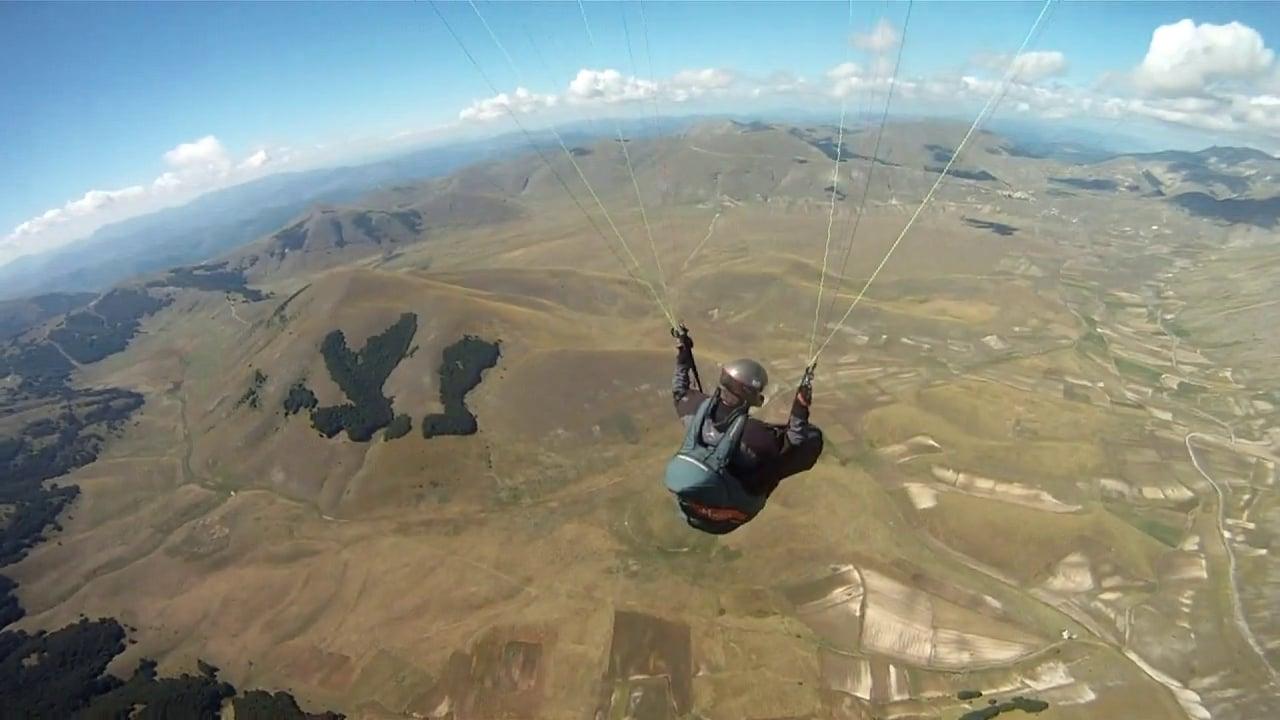 Castelluccio paragliding