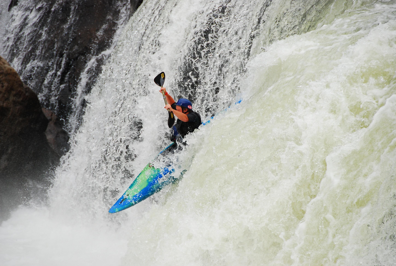 Kayak kayaking plunging - kayak