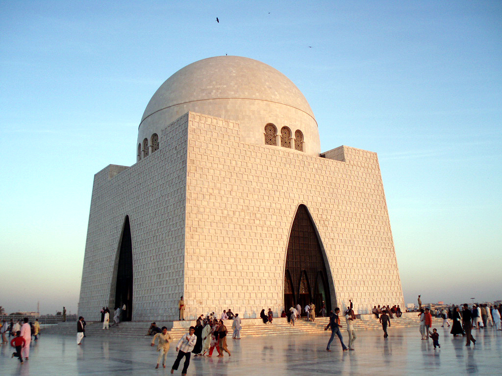 Mazar-e-Quaid - picnic places in Karachi