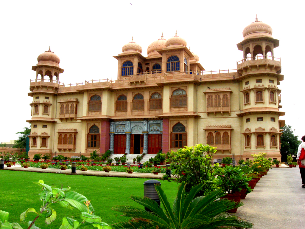 Mohatta Palace - picnic places in Karachi