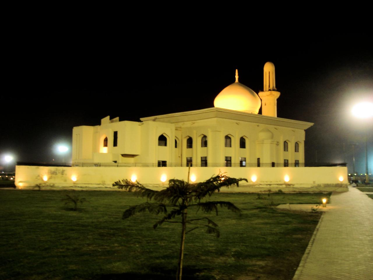 bagh ibne qasim - picnic places in Karachi