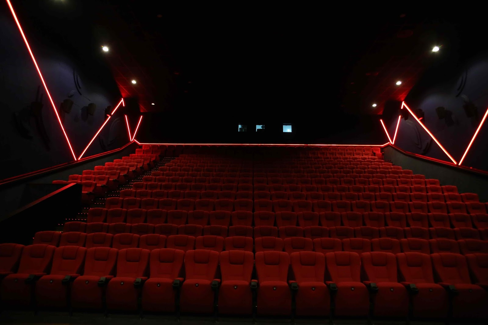 imax cinema - things to do in Lahore