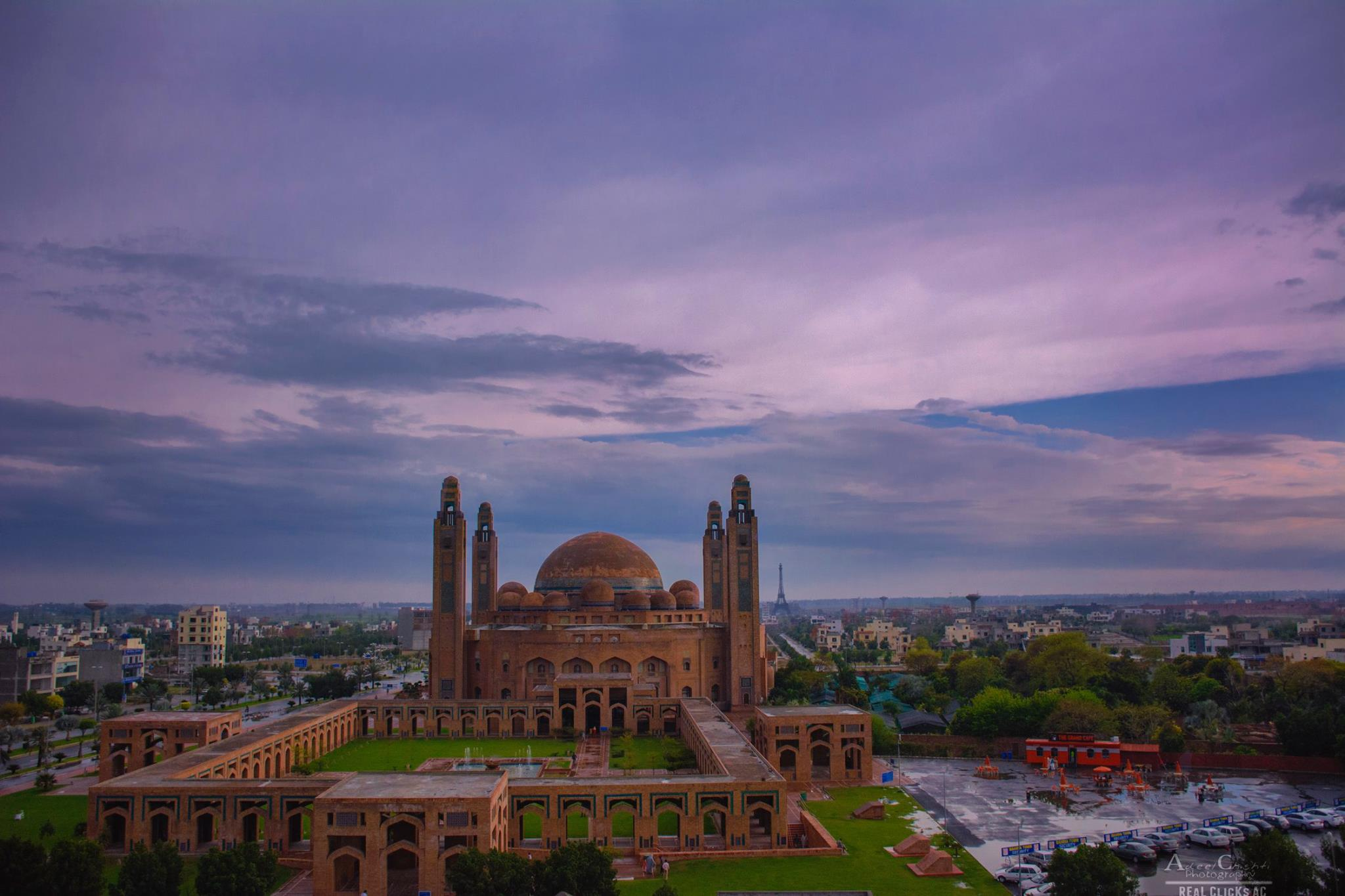 jamia masjid - things to do in Lahore