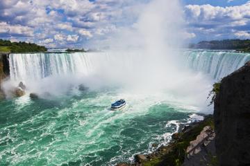 # 3 of 10 in best waterfalls in the world – Niagra Falls (USA & Canada) - Best Waterfalls in the World