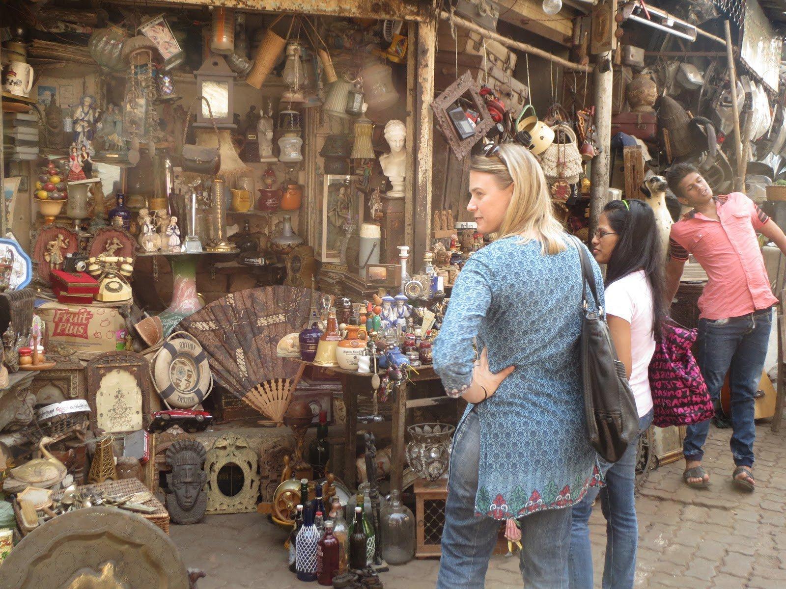 chor bazar- Top 10 Places to Visit in Mumbai