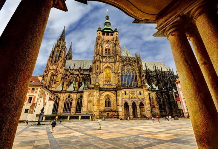 #6 of 16 Things to do in Prague – Visit Prague Castle - Things to do in Prague