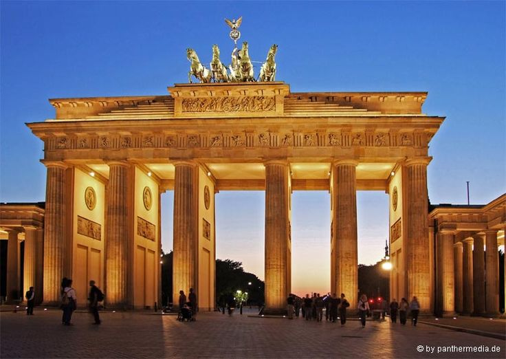 Brandenburger Tor, Things to do in Berlin