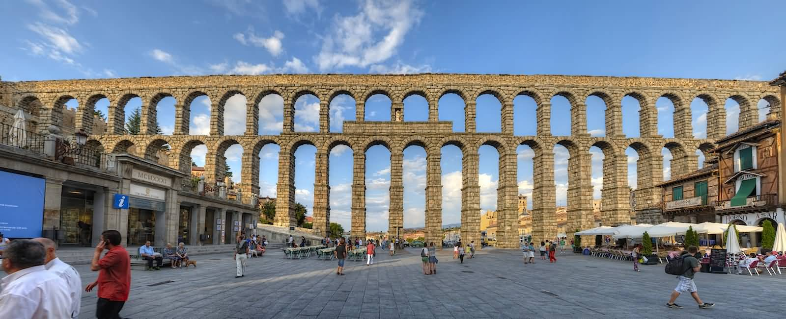 Aqueduct-Of-Segovia, Things to do in Spain