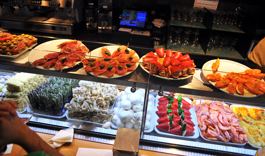Tapas_bar_in_Barcelona, Things to do in Spain