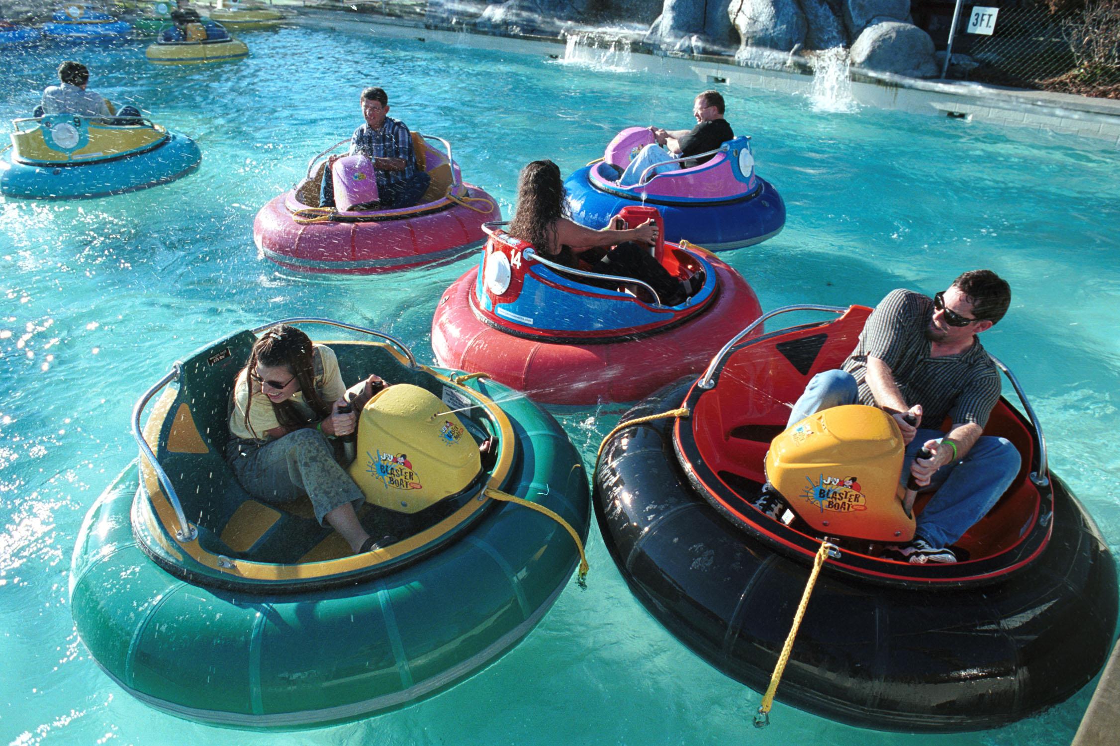 bumper boats types - bumper boats