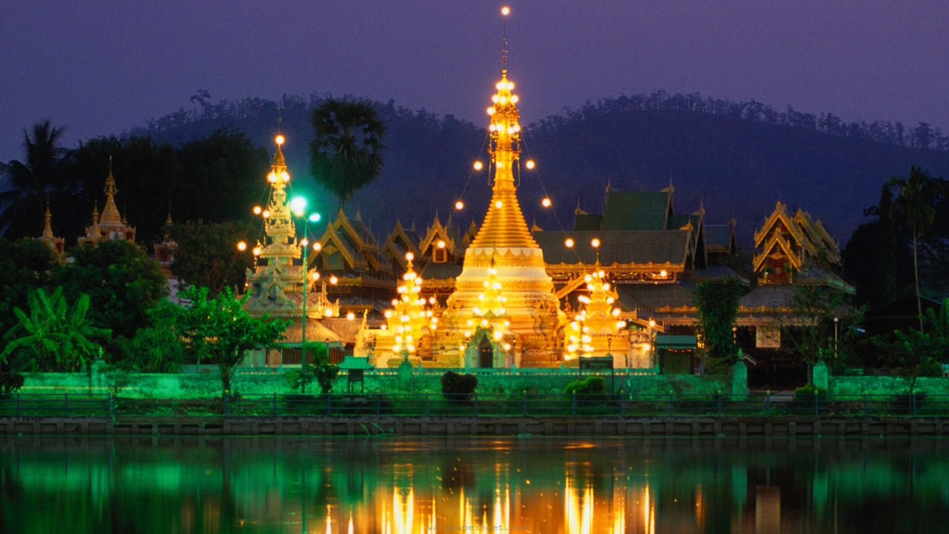 yellow lights - things to do in Thailand