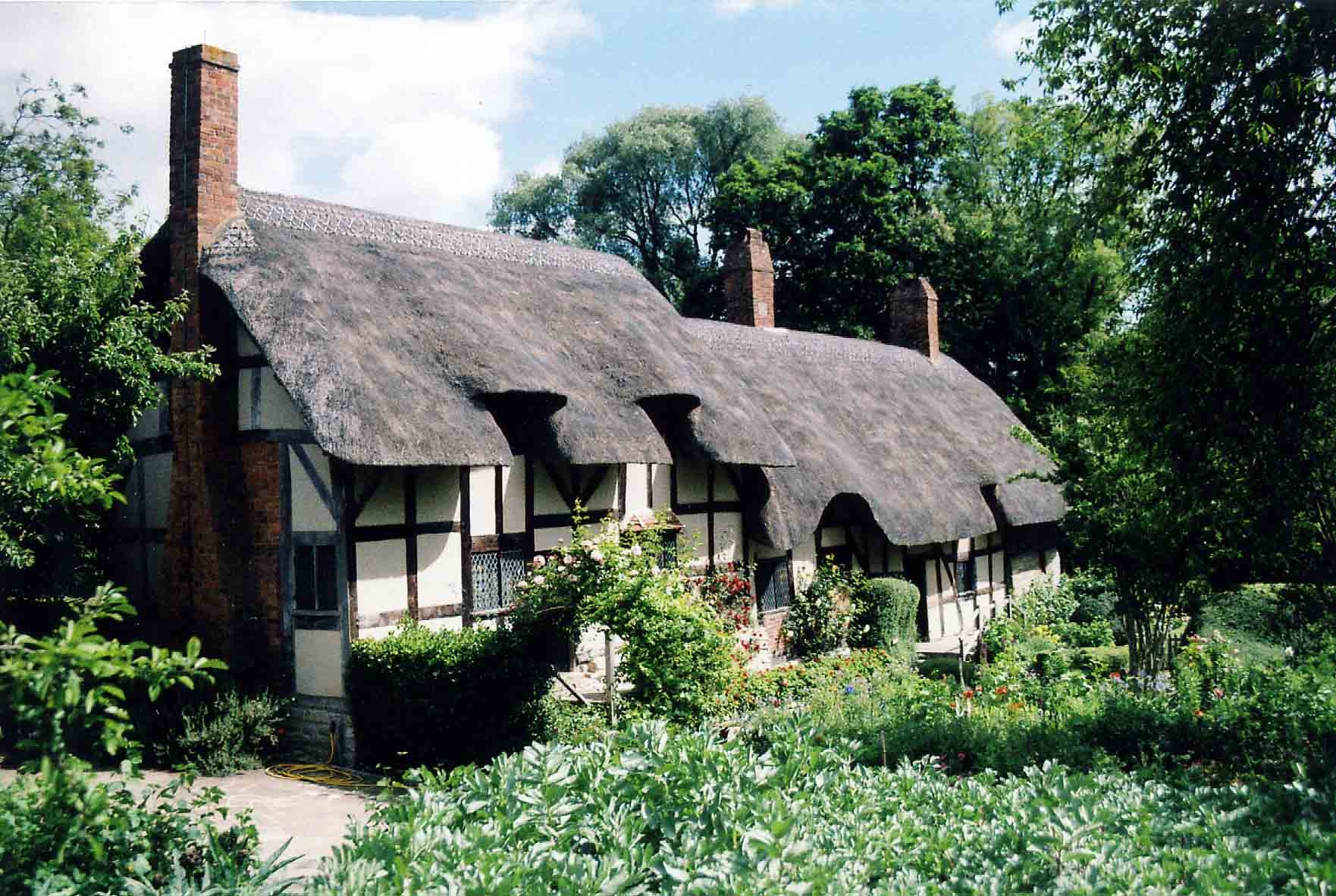 Shakespeare hometown - things to do in England