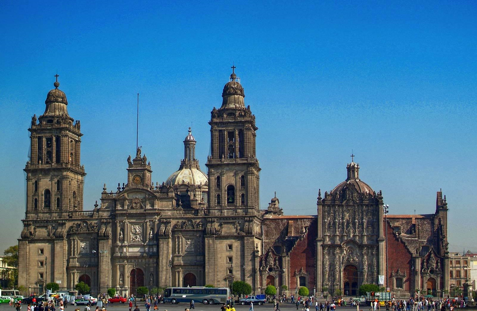 long bus - things to do in Mexico City