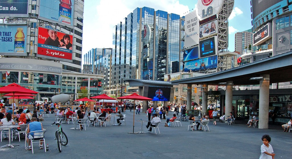Dundas Square, Unique things to do in Toronto
