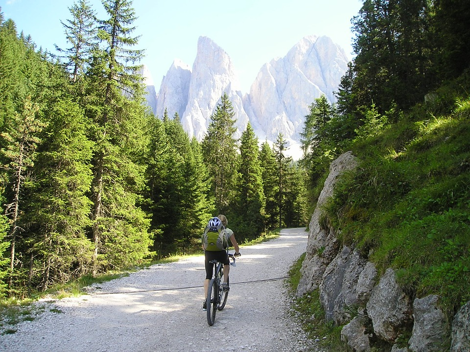 bike tours, Things to do in Banff