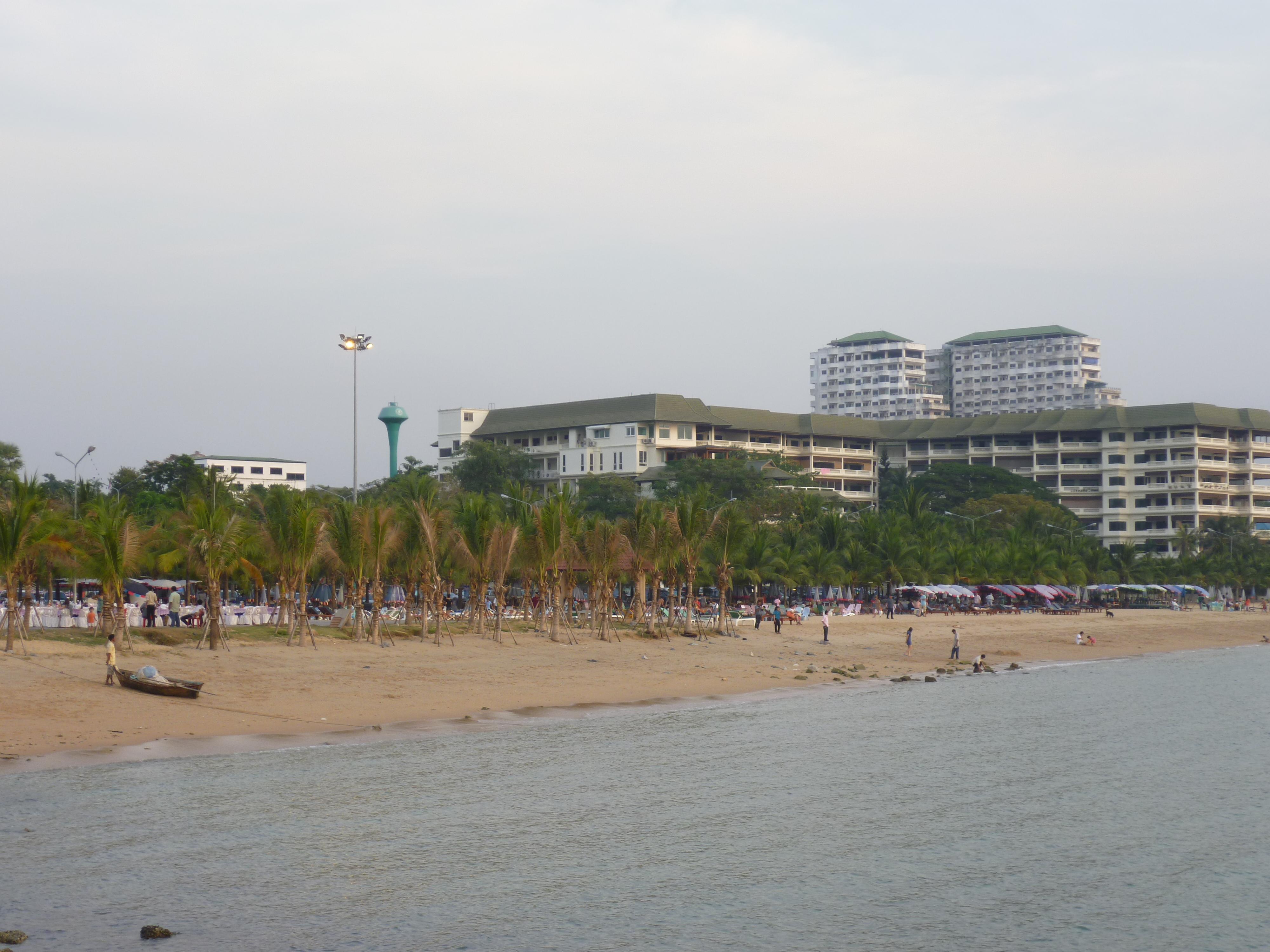 Ban Amphur Beach - things to do in Pattaya