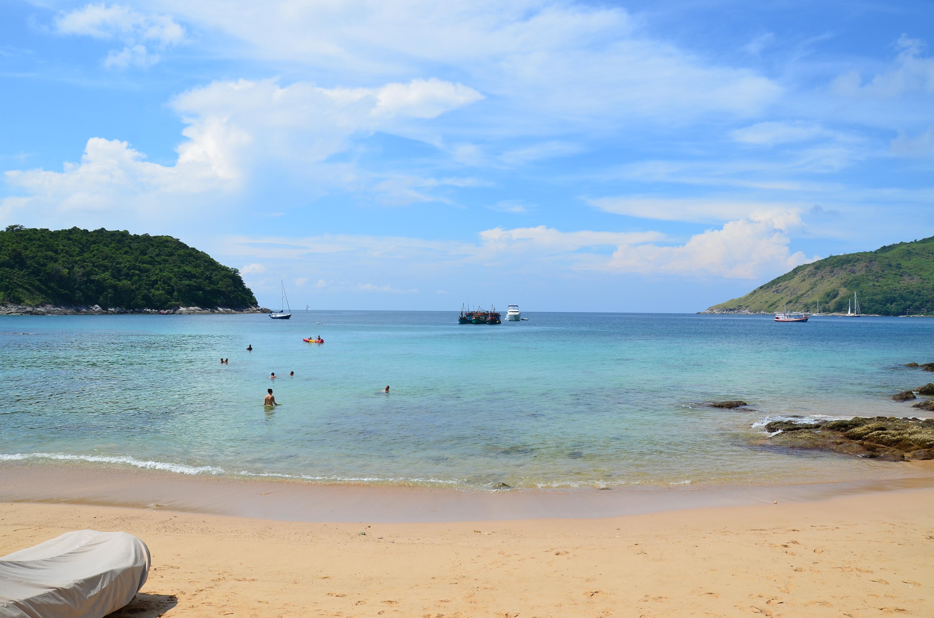 Nai Harn Beach - thingd to do in Phuket